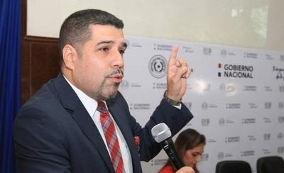HOY / Sigue barrida en Itaipú: entra  Fabián Dominguez sale Mónica  Perez, en Dirección Financiera