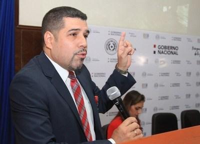 Ejecutivo designa a Fabián Domínguez como nuevo director financiero de Itaipú