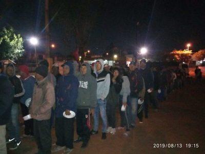 Columna Este del Partido Paraguay Pyahura acampa en la plaza Marcelina Insfran