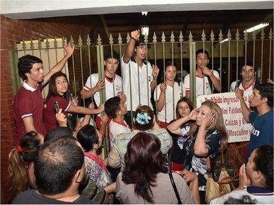 Continúa juicio oral contra ex dirigente estudiantil de Fenaes