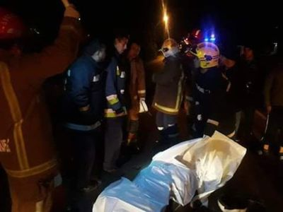 Joven motociclista fallece al impactar contra un camión