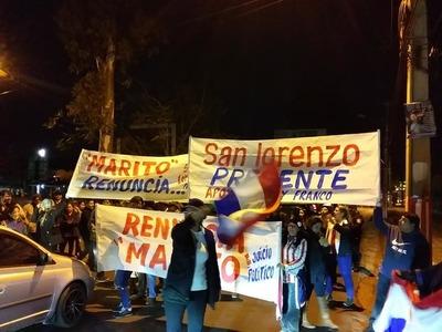 Un grupo de ciudadanos encabezados por el edil Freddy Franco se manifestaron a la altura de Ybera