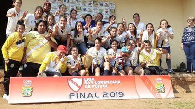Chicas del 12 de Octubre lograron el bicampeonato
