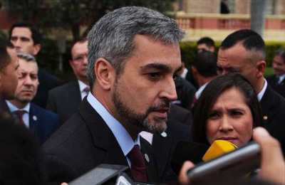 """Abdo culpa a la lluvia por parón económico, llama """"cierto desencuentro"""" a la crisis y anuncia cambios en su gabinete"""