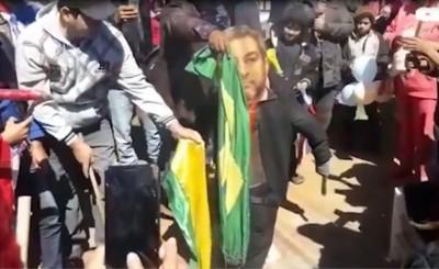 """Marito """"garroteado"""" y bandera brasileña quemada en San Pedro"""