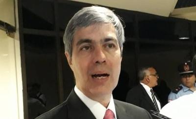 HOY / Ferreira responde a Calé y destaca que se anuló posible negocio de exclusividad
