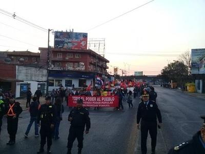Masiva marcha contra el Ejecutivo llega hasta Asunción