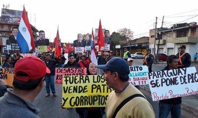Partido Paraguay Pyahura marcha para su acto central