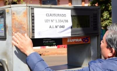 Clausuran islas de gasolinera por denuncia de consumidor en CDE