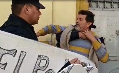 Detenidos por escrachar a monseñor Valenzuela