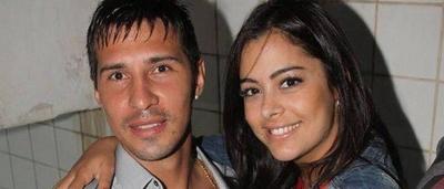 HOY / Larissa Riquelme demanda a   periodista que sugirió que quiso  ablandar a la querella de Fabbro