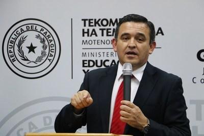 Petta: Problema de la educación es histórico y no se apega al cargo