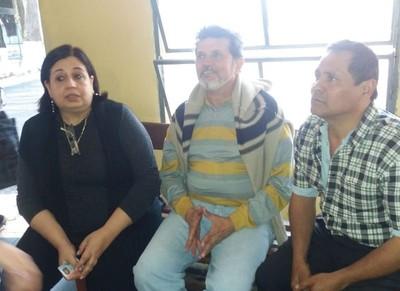 Liberan a dos detenidos por escrachar a arzobispo de Asunción