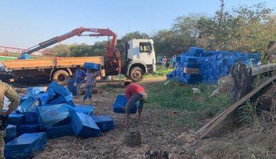 Incautan embarcaciones cargadas con cigarrillos paraguayos que ingresaron de contrabando al Brasil