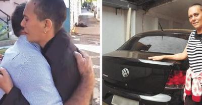 Rifa su auto para una cirugía  y el ganador se lo devolvió