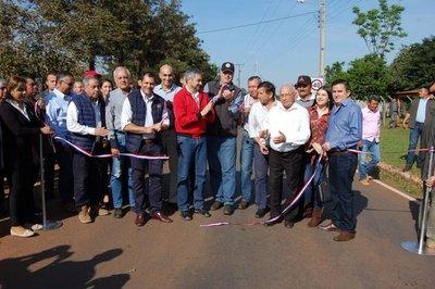 Invierten unos US$ 14 millones para mejorar caminos vecinales en Resquín
