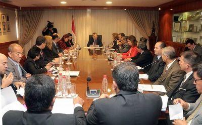 Ministros de la CSJ dialogan con gremios de abogados