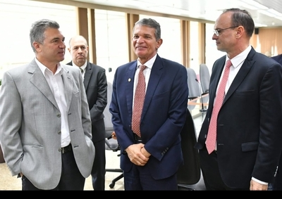 Nuevas autoridades de la ANDE realizaron visita a directores generales de Itaipu