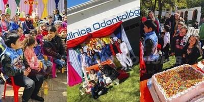 DÍA DEL NIÑO: ESTUDIANTES DE ODONTOLOGÍA BRINDAN SONRISAS A PACIENTITOS DE LA CLÍNICA