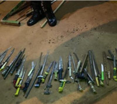 Hallan puñales y droga en requisa en cárcel de Itapúa