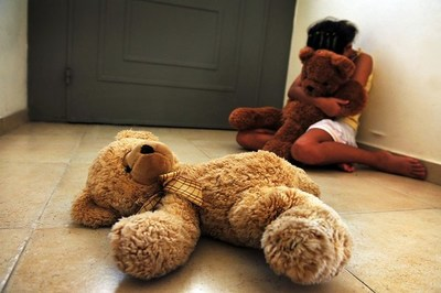 En Colombia quieren establecer cadena perpetua para violadores de niños