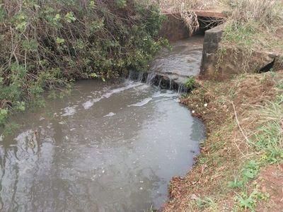Materia fecal va directamente a un arroyo en Cambyretá