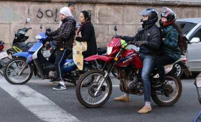 SOFTWARE PARAGUAYO PERMITE DETECTAR MOTOCICLISTAS SIN CASCO MEDIANTE INTELIGENCIA ARTIFICIAL EN MONITORES DE CONTROL
