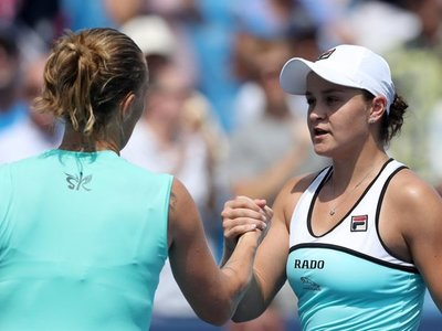 Kuznetsova sorprende a Barty y llega a la final
