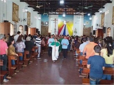 Desconocidos causan destrozos en iglesia de Coronel Oviedo