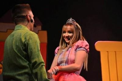 Marilina Y Will Fretes Con Más Funciones En El Teatro Latino.