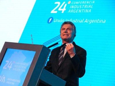 Macri hace cambios en su gabinete para encarar crisis