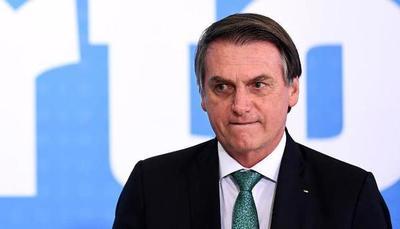 """Bolsonaro dice que argentinos sacan """"en masa"""" dinero de bancos por posible vuelta del kirchnerismo"""