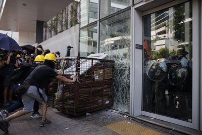 Trump advierte a China que violencia en Hong Kong puede repercutir en acuerdo comercial