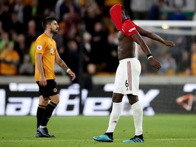 Manchester United se queda con las ganas de tomar el mando