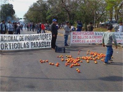 Tomateros levantaron medida de fuerza, pero anuncian más movilizaciones