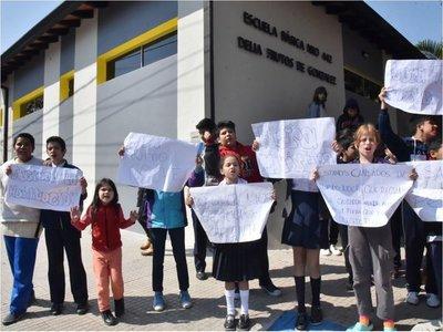 Exigen usar nuevas aulas, pero MEC no habilita pese a crisis