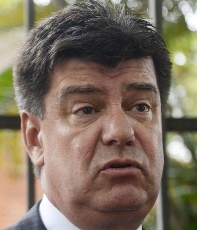 """Alegre insiste que hay un """"acuerdo de impunidad"""" entre Abdo y Cartes"""