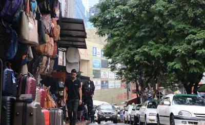 """HOY / Paraguay, en puertas de una recesión: crisis pondría en """"stand by"""" grado de inversión"""