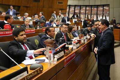 CÁMARA DE DIPUTADOS RECHAZA JUICIO POLÍTICO