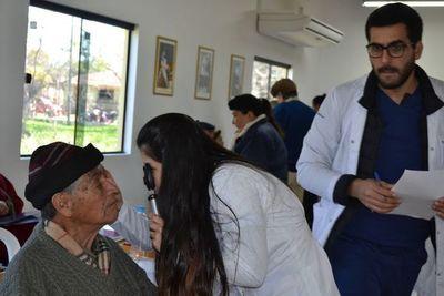 Cirugía gratuita a personas con cataratas en Misiones