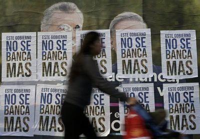 Argentina se propone estabilizar moneda y cumplir meta fiscal