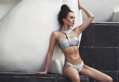 Chica Playboy muere al inyectarse cóctel contra la resaca