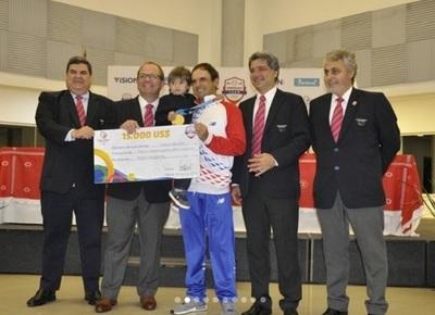 Medallistas de Juegos Panamericanos reciben millonarios premios