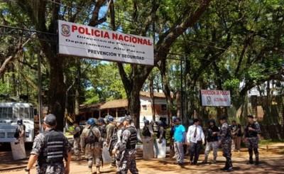 Policías intentaron extorsionar para no clausurar local nocturno