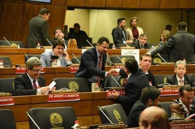 Colorados sepultan juicio político a Abdo Benítez y Hugo Velázquez
