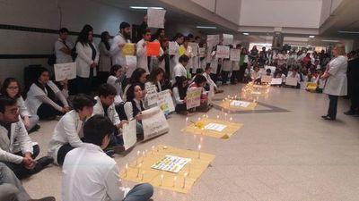 Estudiantes de Medicina piden cuidar salud mental
