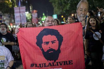 Fernández y Kirchner, cabezas del reclamo de libertad de Lula