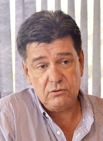 Alegre critica a legisladores que rechazaron juicio político