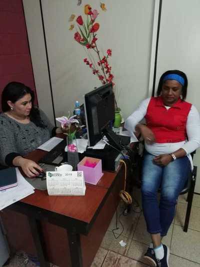 Denuncian a un oficial del Registro Civil de celebrar matrimonios falsos