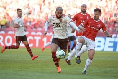 HOY / Un Flamengo con perfil europeo recibe al Internacional de Paolo Guerrero